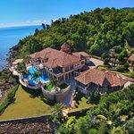 La Mandalay House est la plus belle villa des Côtes Australes. Découvrez la ici → http://t.co/j0qF55WlKv ← http://t.co/Hi5VxHH3q6