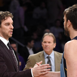 Pau Gasol thinks younger brother Marc could end up with the Knicks next season: http://t.co/P43McPLowd http://t.co/Cf4IzQbgiy