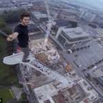 Freerunner scales 250ft crane in Southampton to take selfie http://t.co/siiz7V28qE http://t.co/tNmDMMbNG4