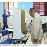 RT @FR_BSB: Pra quem não viu: Sarney votando em Aécio. Sarney é o epítome da política brasileira. http://t.co/Iz6yZUI60t http://t.co/vo8Fe4ILCy