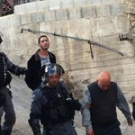 اعتقال والد وشقيق الشهيد معتز_حجازي #القدس #فلسطين http://t.co/2yANS556xY