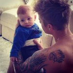Stop giving him babies please its too much for my feelings #EMABiggestFansJustinBieber http://t.co/zfoe4Ub3PN