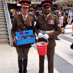 RT @PoppyLegion: #LDNPoppyDay bus arrived at Liverpool St Station! Come and down and help our Armed Forces Live On by getting a poppy! http://t.co/5hSBDjGyPQ