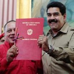 Colectivos venezolanos ahora van por Diosdado Cabello http://t.co/gOAo3URTBS http://t.co/Y8Lp47D4Vv @combatiente21