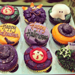 Head down to our Oxford Circus flagship to get your teeth into some spooky treats from @lolascupcakes! http://t.co/y5JuKjrTQz
