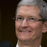 Tim Cook comes out as gay in powerful Businessweek essay http://t.co/iYAI7iKgZi http://t.co/g3gOMbWsa4