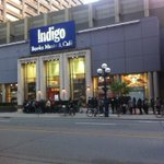 The crowd is lining up at @chaptersindigo for a book signing with @amypoehler #toronto http://t.co/fndoziS79w