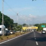 Av. Los Trabajadores,a paso morrocoy a la altura del puente caroni @trafficGUAYANA http://t.co/Ze4lKIPoAp