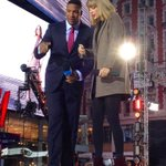 Times Square is going crazy for @taylorswift13 on @GMA !! http://t.co/xLXFLyHWln