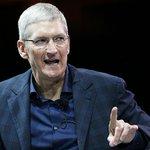 Tim Cook, presidente da Apple, assume publicamente que é gay. http://t.co/LWBDEJ28pY http://t.co/p1XOml7jqG