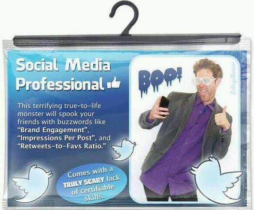 "Here is the ultimate #Halloween #Costume: ""The Social Media Professional"" :-) #socialmedia http://t.co/5zkzk7gGAY"