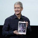 """Глава Apple признался в нетрадиционной ориентации: """"И горжусь этим!"""" http://t.co/ZPkX1OZlsN http://t.co/cVtp1Ppdv7"""