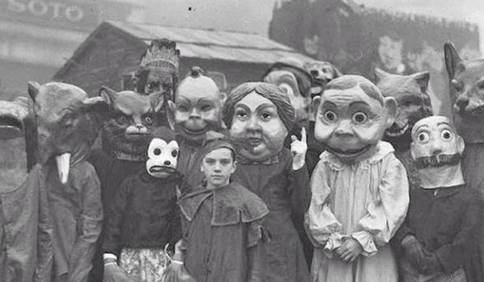 #Halloween in the early 1900's #Creepy #Toronto http://t.co/tprbV9jwHX http://t.co/ub33UWChHi