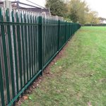 Good evening #KenilworthHr we finished 365m of steel palisade today @HoE_School the jobs gone well how you all doing? http://t.co/8ZCkjLsnjo
