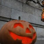 Happy Halloween Eve! Here are 6 rules for a better Halloween: http://t.co/oiizMbr9s4 http://t.co/RTbtNKXMgA