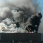 BREAKING: Plane crashes into Flight Safety building in Kansas, people reportedly trapped - http://t.co/0fSX7clBOK http://t.co/zSPDqFntR3