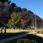 BREAKING Crews say a twin-engine plane has hit a building at Wichitas Mid-Continent Airport. http://t.co/axQZR2X8Z4