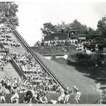 """#TBT Pretty nice seats at Sanford. 1946 with """"track fans"""" #UGA #GoDawgs! http://t.co/wo6jjJm1Yc"""