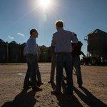"One AR farmer tells @chucktodd when asked about Bill & Hillary Clinton: ""Clinton is Clinton."" http://t.co/5MkZQXPhSl http://t.co/3JGWdSIu6R"