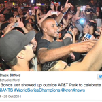.@BarryBonds joined the #WorldSeries celebration in S.F., check out the videos: http://t.co/4fgmPNHb8o http://t.co/R4VgcSIsFe