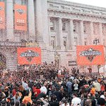 Stand with Giants. Literally. Bid for your chance to ride on a @SFGiants #WorldSeries float: http://t.co/SRlOBHaSk7 http://t.co/mraaH2KOx7