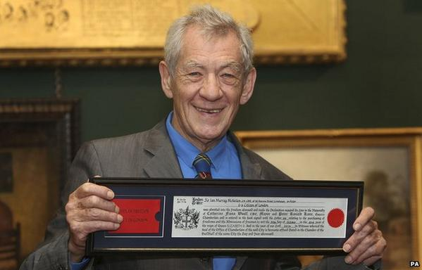 Actor @IanMcKellen given freedom of the City of London for his gay rights work http://t.co/PceVmQ158x http://t.co/gwRlfXA7v4