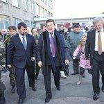 Власти ДНР назначили Иосифа Кобзона почётным консулом в России. http://t.co/oLTi0x00be