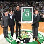 #SicEm RT @Ballislife: Isaiah Austin honored with personalized @celtics jersey | PICS: http://t.co/NJflH4AHfi http://t.co/sB2EQjDNZR