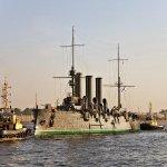 Крейсер Аврора ушёл в Кронштад. Для прохода развели Троицкий,Дворцовый, Благовещенский мосты. Санкт-Петербург. http://t.co/ATaDv1kTgJ