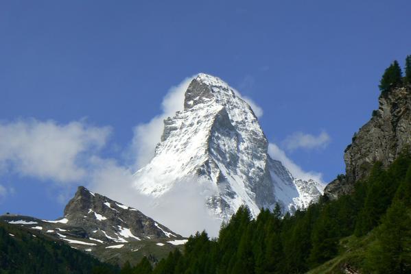 Worth the wait! RT @MattWestoby: Better late than never! The majestic Matterhorn! #IcePhoto http://t.co/zxP1elmskp