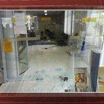 Grupo assalta banco e distribui notas de R$ 5 para população durante fuga http://t.co/ELZgJQF1Wf #G1 http://t.co/dqO5Q8Jzzj