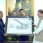 PM Nawaz Sharif receiving a portrait from Air Chief Mr.Tahir Rafique Butt at Air Headquarters, Islamabad #SachKiJeet http://t.co/wWMwfEJPfT