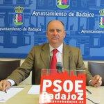 "PSOE se suma a la denuncia por una manifestación ""fascista"" en Badajoz http://t.co/C7u6XlgzeF @psoebadajoz http://t.co/c2h9ZDkJdD"