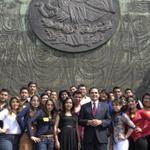 Gracias a los alumnos del 1er año de derecho de la @UMSNHOficial por visitarme hoy en @Mx_Diputados. http://t.co/1VdoDJyGXP