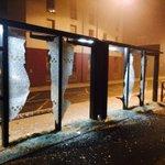 #Rennes #manif Les manifestants remontent vers Villejean, par la rue de Saint-Brieuc. Beaucoup de dégâts au passage http://t.co/toEbApRFrG