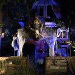 East #Vancouver house has been transformed to a ghost pirate ship! http://t.co/QEBuJ3O1nF http://t.co/tGi2RM7hCJ