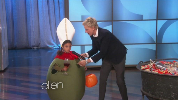 *_* RT @KatieQLowes: OMG Olive-a Pope. @TheEllenShow http://t.co/fdUmMP44uT