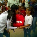 #Merida Pdta FRNS Griceyd Burguera d Ramírez entrega combos escolares,Sec Sabaneta,mcpio Sucre,nucleo019 @GobAlexisR http://t.co/JCDq5le1zY