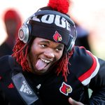 .@lozo_mauldin_IV seems loose for the big game as @UofLFootball walks the field. #L1C4 #FSUvsUL #GoCards http://t.co/nnjnsMU4l3