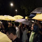 """Over 100 people waited for John Tsang outside Dorchester Hotel, but he left very quickly, """"within two seconds"""" #HK http://t.co/mrjRoLn6gM"""