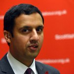 Anas Sarwar resigns as deputy leader of Scottish Labour party http://t.co/Iu2yInueA1 http://t.co/JmvZ44EQYh