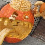 Do your pumpkin carving skills top this #Roncy creation? Tweet us a photo! http://t.co/ZOWuEcY9Sr #cbcto http://t.co/95esWCUKTH
