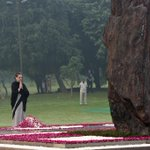 Smt.Sonia Gandhi & Rahul Gandhi paying homage on the 30th Martyrdom Day of Smt.Indira Gandhi #IronLeadersofINC http://t.co/rE7Uu8HiPy