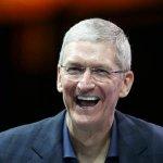 米アップルのティム・クックCEOは、米誌への寄稿で、自らが「同性愛者であることを誇りに思っている」と表明 http://t.co/w1XnysFzn5 http://t.co/oauL5OKWWV