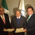 Esta noche se realizó firma de Convenio de Cooperación COMCE - COEXPORT #México #ElSalvador @presidencia_sv http://t.co/1kYEiAvM84