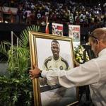 South African football fans have today celebrated the life of former South Africa goalkeeper Senzo Meyiwa. RIP. http://t.co/sTf6NhSQs9