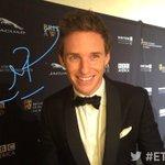 Eddie Redmayne lent his signature in the #Britannias honoree room! @BAFTALA #ETnow http://t.co/ekDqKwMABW