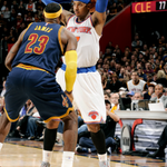 Carmelo (25p, 6a) & the @nyknicks grab a 95-90 win in Cleveland over LeBron (17-5-4), Love (19 & 14) & new-look @cavs http://t.co/zUYbeg63Zb