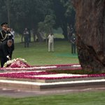 The President of India paying homage at Shakti Sthal on 30th Martyrdom Day of Smt. Indira Gandhi #IronLeadersofINC http://t.co/R0Pfo4ffxv
