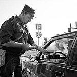 ДНР и ЛНР отказались передавать Киеву контроль за границей с Россией http://t.co/8rVKol3xk4 http://t.co/FeK6JirEWQ